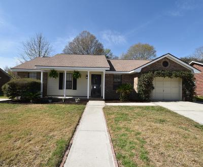 Ladson Single Family Home For Sale: 212 Houston Drive