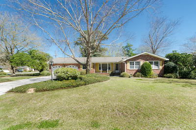 Charleston Single Family Home For Sale: 10 Mueller Drive