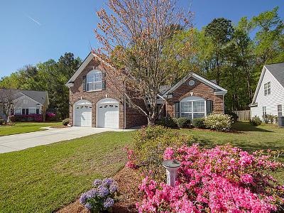 Legend Oaks Plantation Single Family Home For Sale: 122 Corral Circle