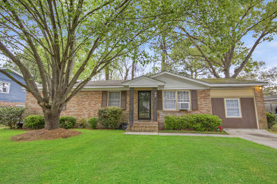 West Ashley Plantation Single Family Home For Sale: 1821 Mepkin Road