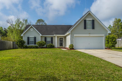 Charleston Single Family Home For Sale: 105 Wood Ride Court
