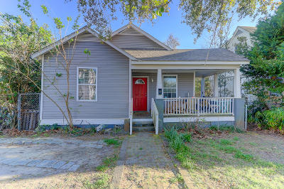 Single Family Home For Sale: 135 Simons Street