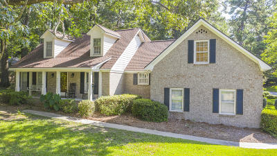 Summerville Single Family Home For Sale: 421 Lakeview Drive