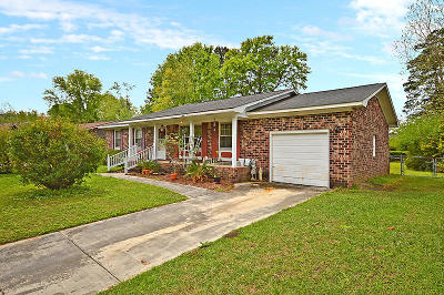 Goose Creek Single Family Home Contingent: 315 Red Fox Lane