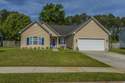 Goose Creek Single Family Home For Sale: 176 Red Cypress Drive