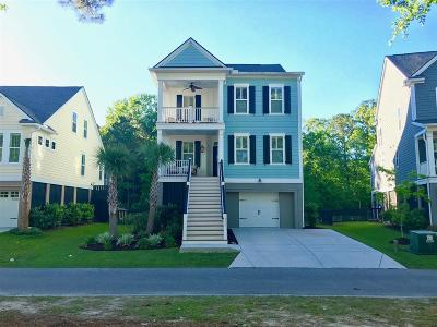 Charleston Single Family Home For Sale: 1945 Clay Lane