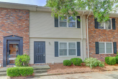 Charleston County Attached Contingent: 415 Parkdale Drive #12-D