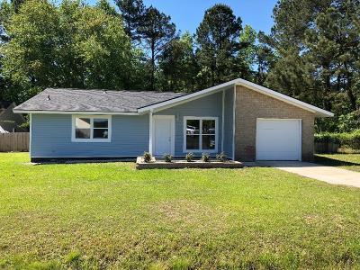 Moncks Corner Single Family Home Contingent: 501 Mountain Pine Road
