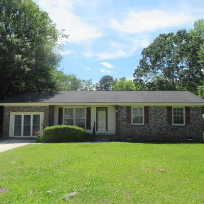 Goose Creek Single Family Home For Sale: 112 Williamsburg Court