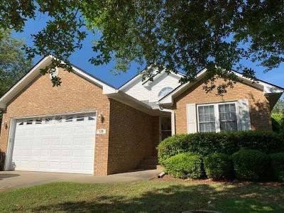 Single Family Home For Sale: 120 Ridge Lake Drive