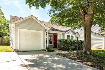 Charleston Single Family Home For Sale: 2020 Wild Flower Lane
