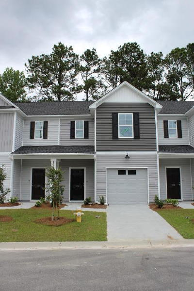 Berkeley County, Charleston County, Colleton County, Dorchester County Attached For Sale: 136 Buchanan Circle