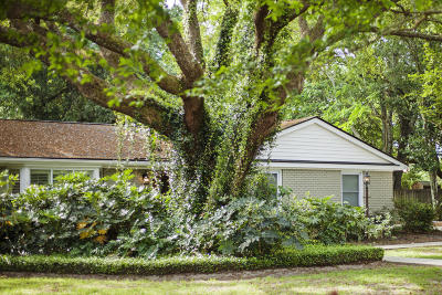 Lawton Bluff Single Family Home Contingent: 756 Fort Sumter Drive