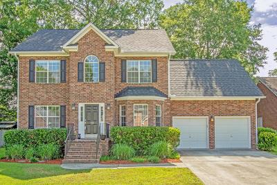 Goose Creek Single Family Home For Sale: 102 Holbrook Lane