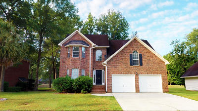 Goose Creek Single Family Home For Sale: 108 Spalding Circle