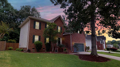 Goose Creek Single Family Home Contingent: 136 Winding Rock Road