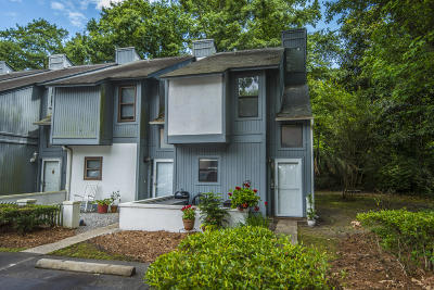 Charleston County Attached Contingent: 2749 Jobee Drive #8