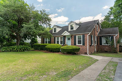 Charleston Single Family Home For Sale: 11 Riverdale Drive