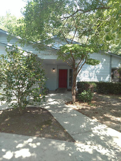 Charleston Single Family Home For Sale: 4605 Moss Court