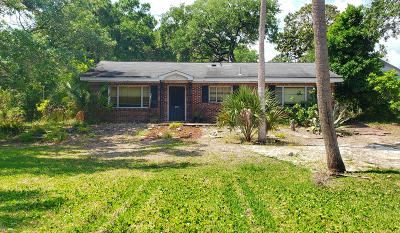 Folly Beach Single Family Home Contingent: 112 W Indian Avenue