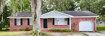 Moncks Corner Single Family Home For Sale: 1316 Dennis Boulevard