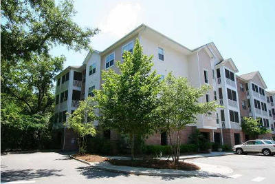 Attached Contingent: 1755 Central Park Road #7305