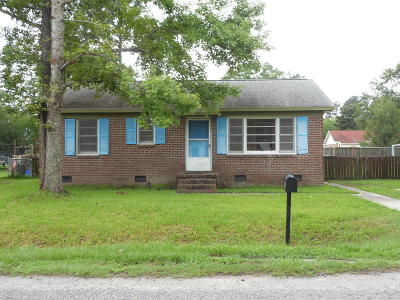 Goose Creek Single Family Home For Sale: 435 Annette Drive