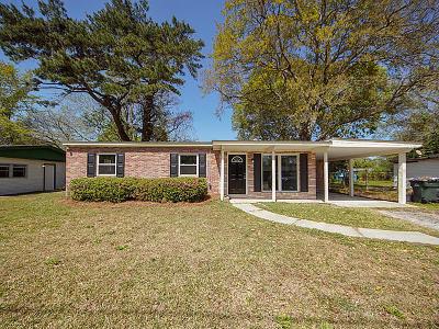 Charleston Single Family Home For Sale: 1520 Kirkless Abbey Drive