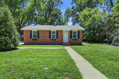 Charleston Single Family Home For Sale: 2204 Doris Drive