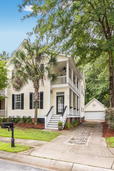 Charleston Single Family Home For Sale: 647 Fair Spring Drive