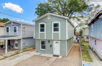 Single Family Home For Sale: 32 Athens Court