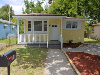 Single Family Home For Sale: 965 Main Street