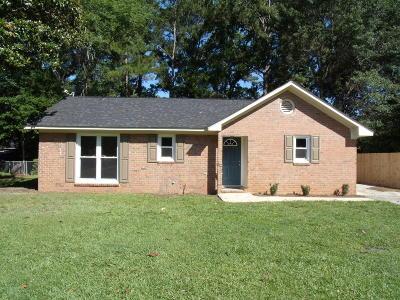 Summerville Single Family Home For Sale: 202 Bluebell Avenue