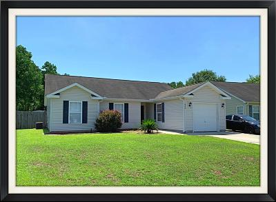 Goose Creek Single Family Home For Sale: 429 Stephanie Drive