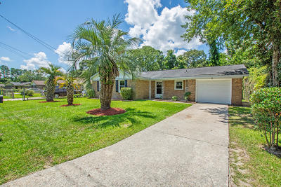 Goose Creek Single Family Home Contingent: 8 Stanhope Road