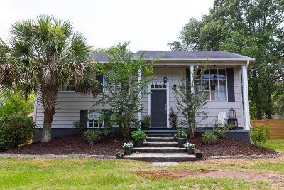 West Ashley Plantation Single Family Home For Sale: 1824 Sandcroft Drive