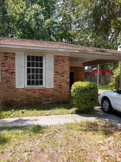Charleston SC Single Family Home For Sale: $158,000