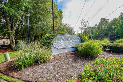 Charleston Attached Contingent: 2770 Jobee Drive #2