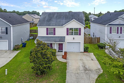 Goose Creek Single Family Home For Sale: 2014 Bearclaw Drive