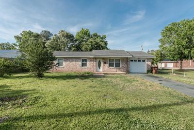 Moncks Corner Single Family Home Contingent: 201 Wall Street