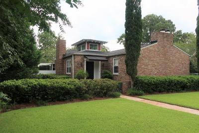 Charleston Single Family Home For Sale: 23 Lindendale Avenue
