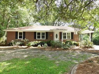 Charleston Single Family Home For Sale: 1443 Cecilia Drive