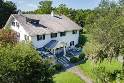 Single Family Home For Sale: 553 Longwood Lane