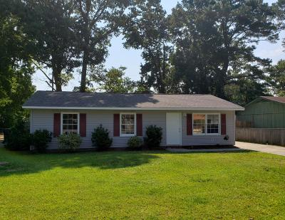 Goose Creek Single Family Home Contingent: 524 Mary Scott Drive