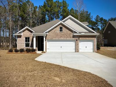 Single Family Home For Sale: 402 Bowstring Drive