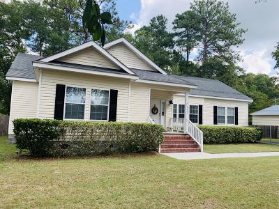 Single Family Home For Sale: 552 Otis Rd & Longleaf Road