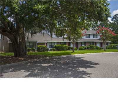 Charleston SC Attached For Sale: $136,900