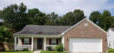 Goose Creek Single Family Home For Sale: 108 Barley St