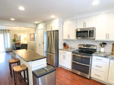 Mount Pleasant SC Attached For Sale: $294,000