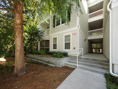 Charleston County Attached For Sale: 60 Fenwick Hall Allee #527